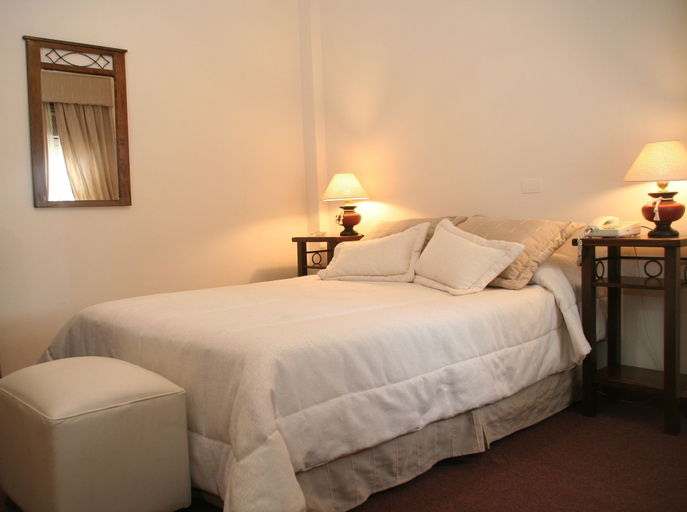 Hotel Ariosto, Capital