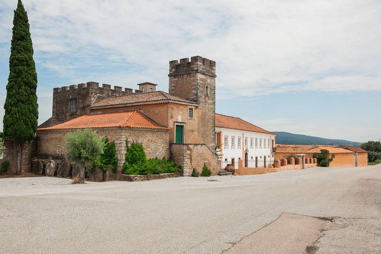 Quinta da Cortiça - Casa da Torre - Hostel, Alvaiázere