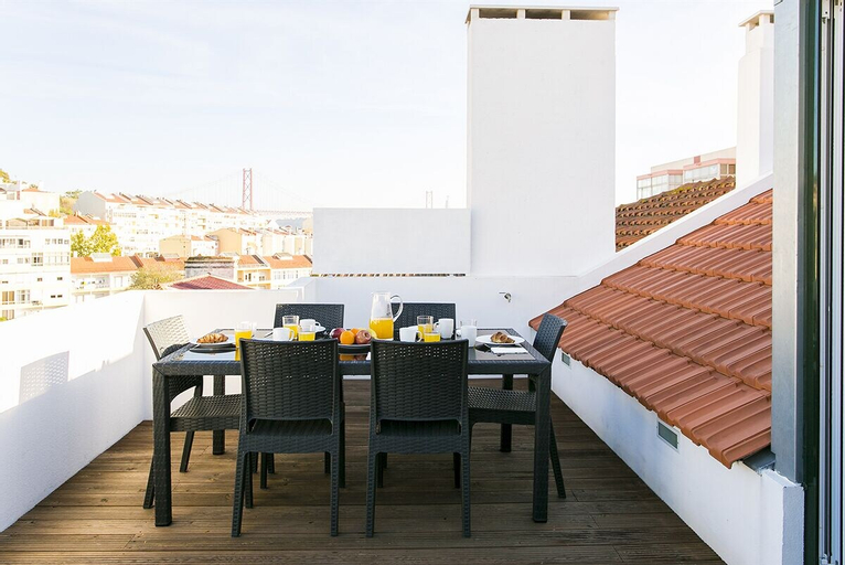 Terrace City Views Duplex Apartment Rentexperience, Lisboa