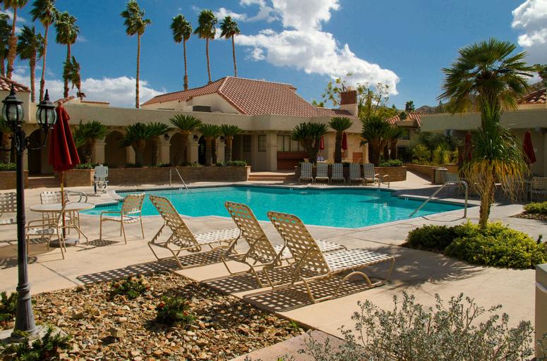 The Oasis Resort, Riverside
