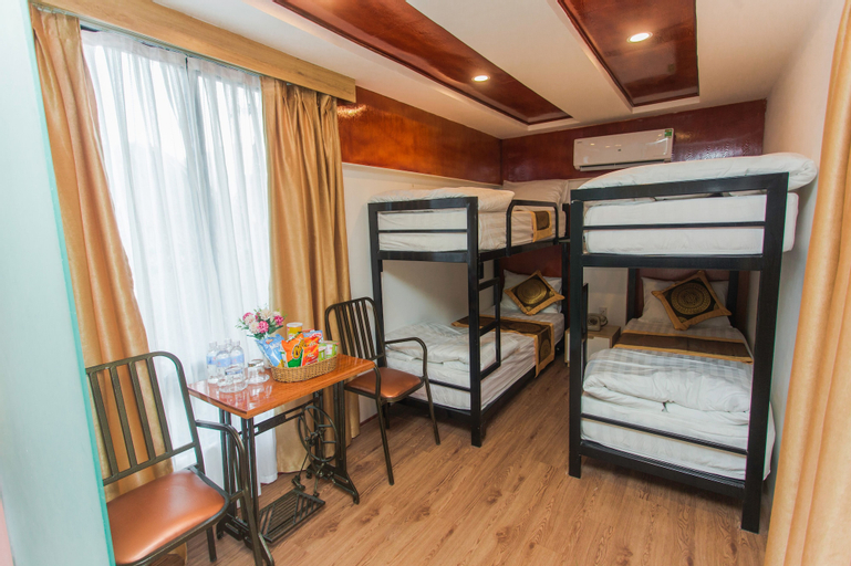 Why Not Hostel, Đồng Hới