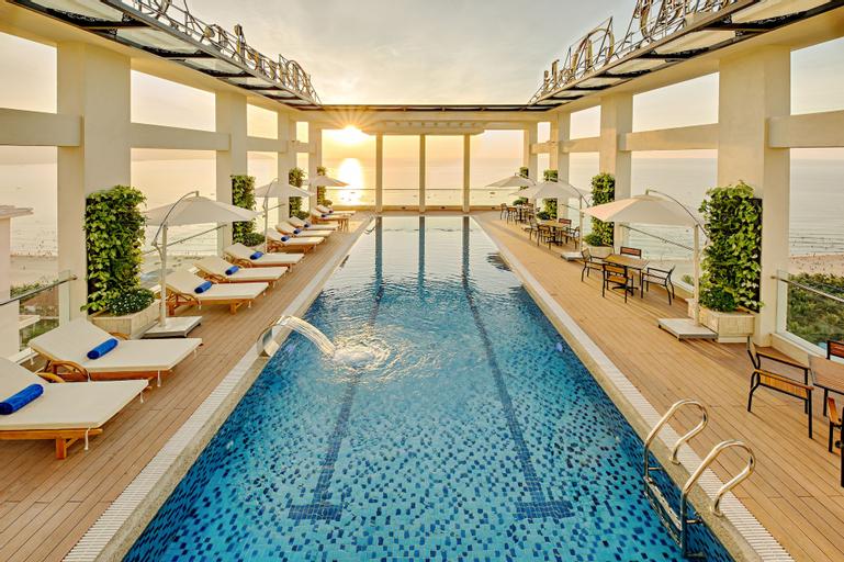 Paris Deli Danang Beach Hotel, Sơn Trà