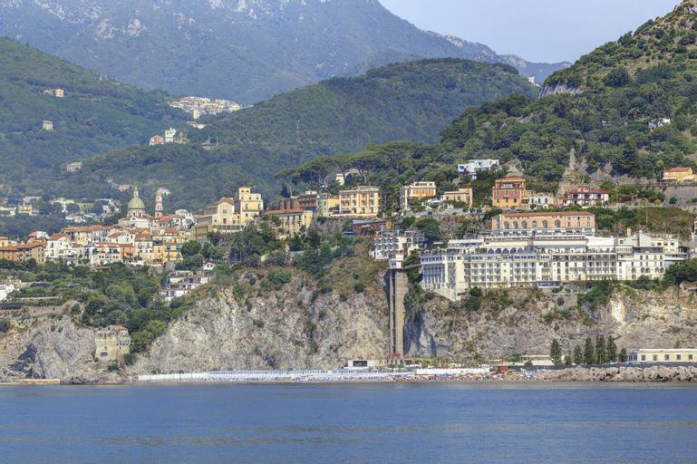 Lloyd's Baia Hotel, Salerno