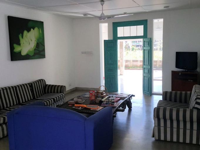 Hangover Hostels Seeduwa, Katana