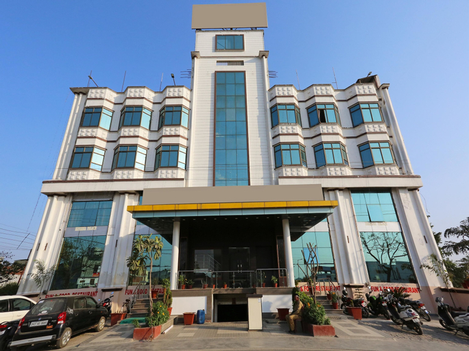 Capital O 10970 Hotel Krishna Palace, Gorakhpur