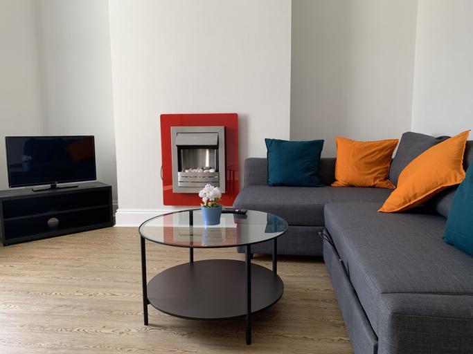 20 Forest Drive West Apartments, London