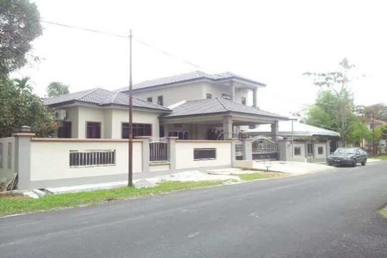 ArRayyan Guesthouse & Homestay, Larut and Matang
