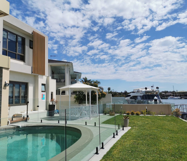 Serviced Waterfront Whole Villa Sydney, Sutherland Shire - East