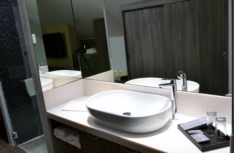 Bliss Hotel Singapore  SG Clean Certified and Staycation Approved, Outram