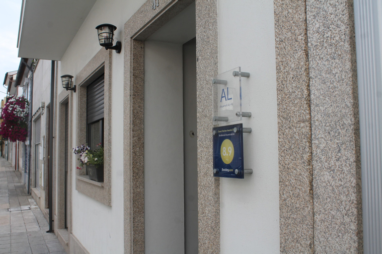Residencial Kuarenta&Um, Barcelos