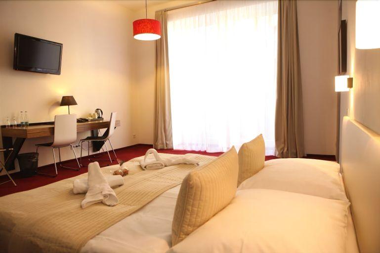 Hotel Noir, Praha 2