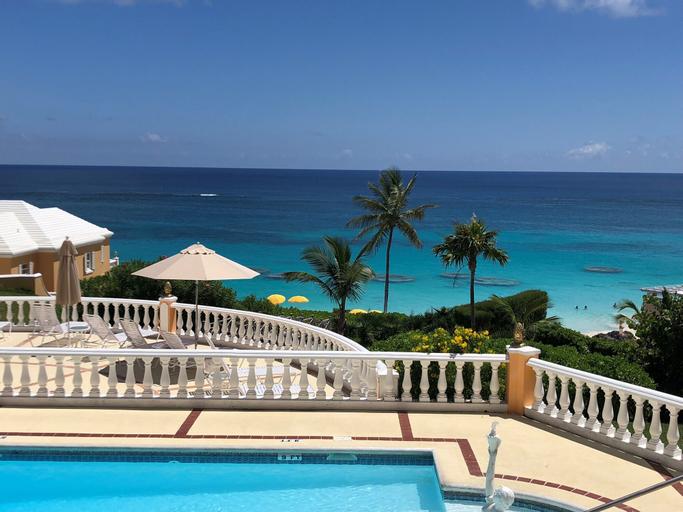 Coco Reef Bermuda,