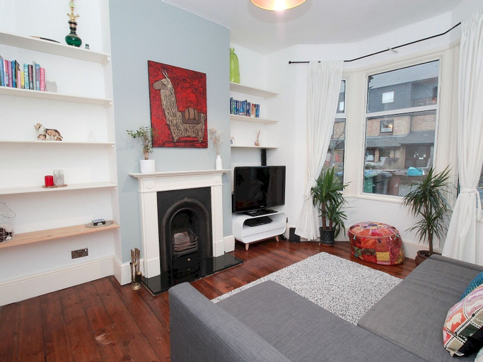 Lovely 3-bedroom house with garden in Leyton, London