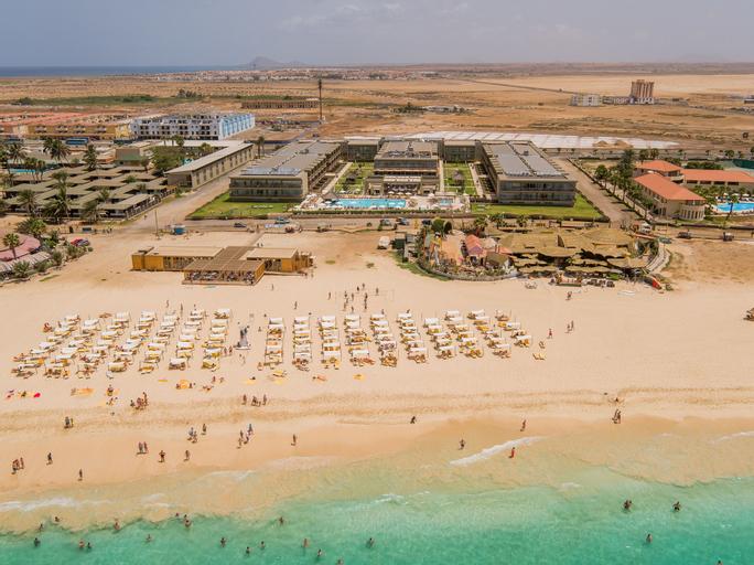 Hotel Oasis Salinas Sea,