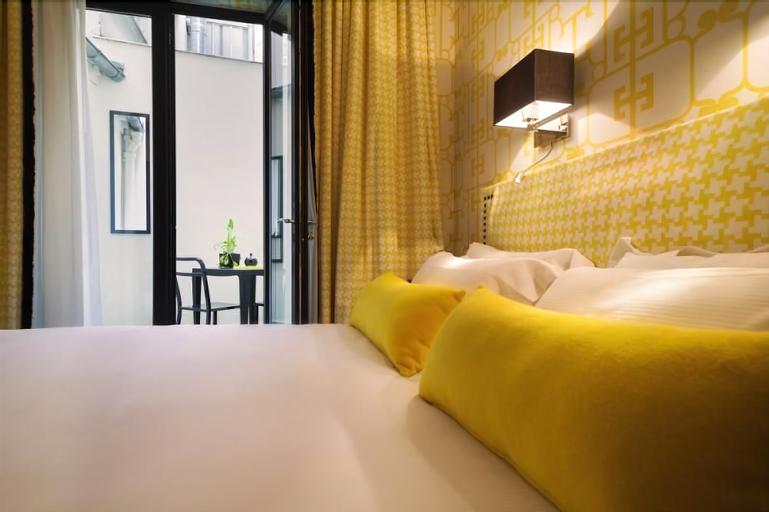 Hotel Monceau Elysees, Paris