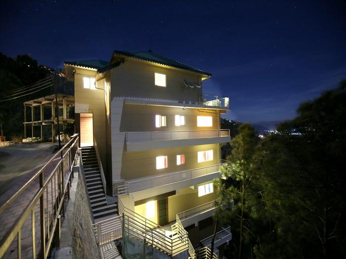 OYO 12324 Home Luxury 2BHK Kasauli, Solan