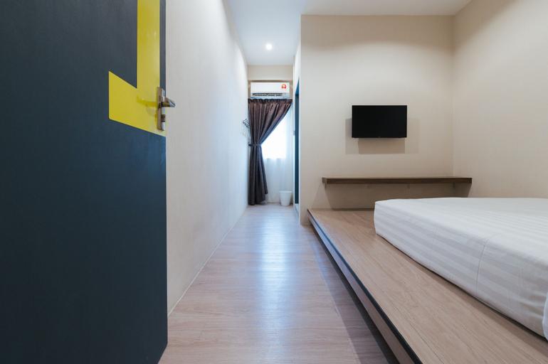A Hotel, Semporna