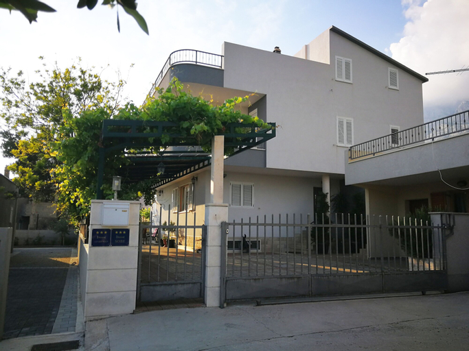 Apartments Bozenka, Makarska