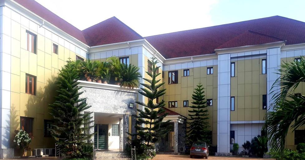 Triple Tree Hotels, OrumbaNo