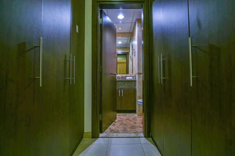 Vista Deluxe Hotel Apartments,