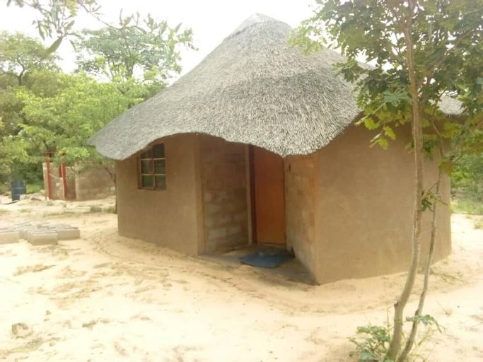 Dumisa African Home, Hwange