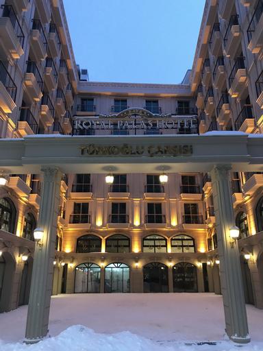 Royal Palas Hotel, Merkez