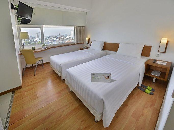 Whiz Hotel Pemuda Semarang, Semarang