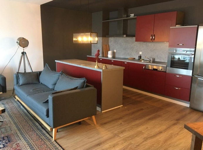 Luxury Large 4 Beds, 3 Balconies, 110 m2 - Free Parking, Luxembourg