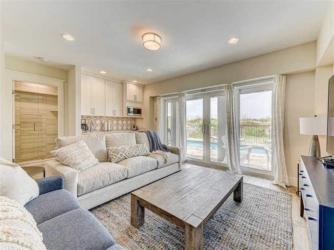 Sunshine State of Mind, 5 Bedrooms, Ocean Front, Private Pool, Sleeps 15, Saint Johns