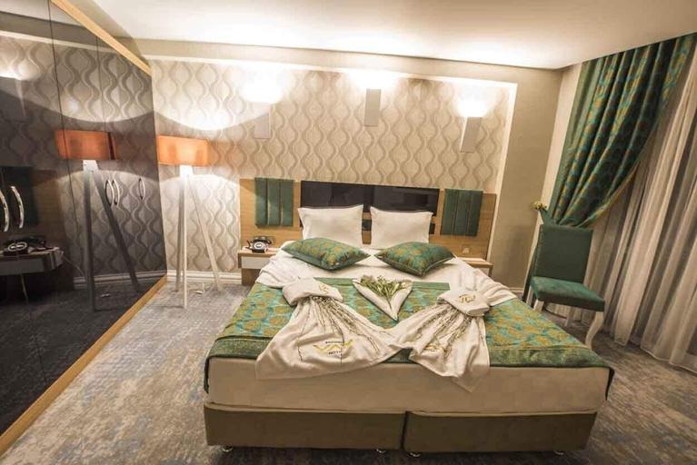 Vav Hotel, Merkez