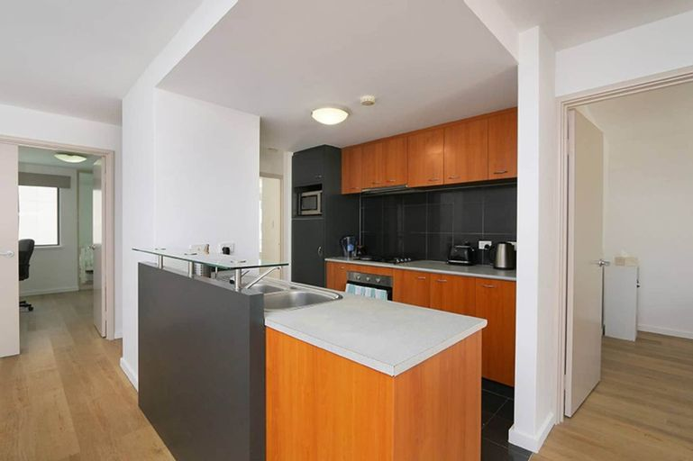 Convenient 3 Bedroom Apartment Close to Casino and CBD, Belmont