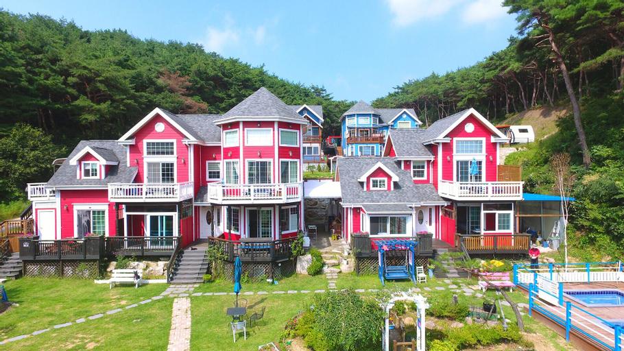 Magic Castle Pet Pension, Gyeongju