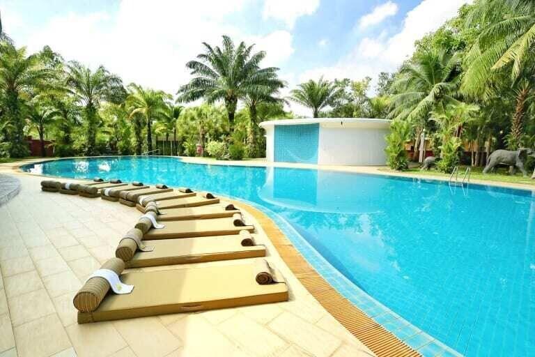 Thaillywood Luxury Palace, Bang Lamung