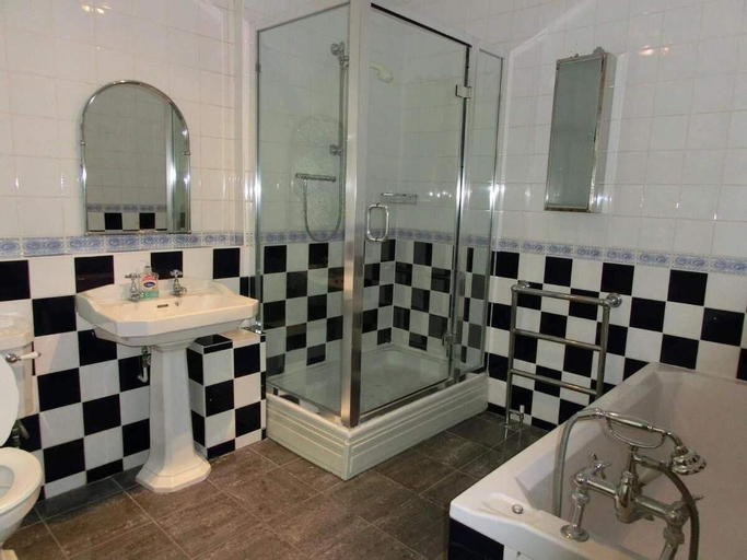 Ruxley.Rooms, London