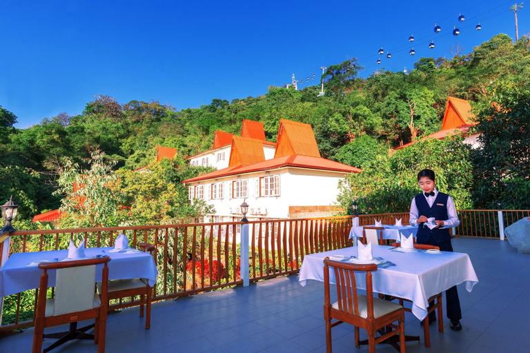 Golden Rock Hotel, Thaton
