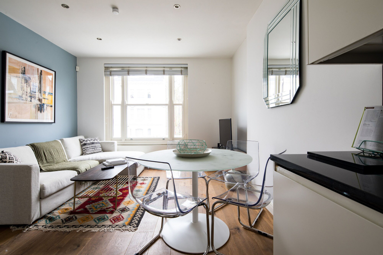 Cute and Cozy Flat Earl's Court up to 4 ppl, London