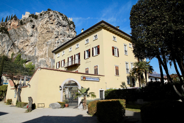 Tall Tree apartment, Trento