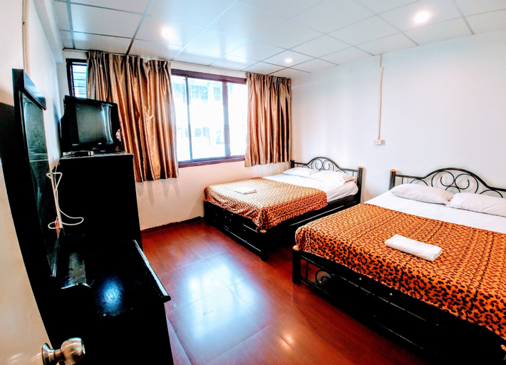 Nap to Nite Hostel, Khlong San