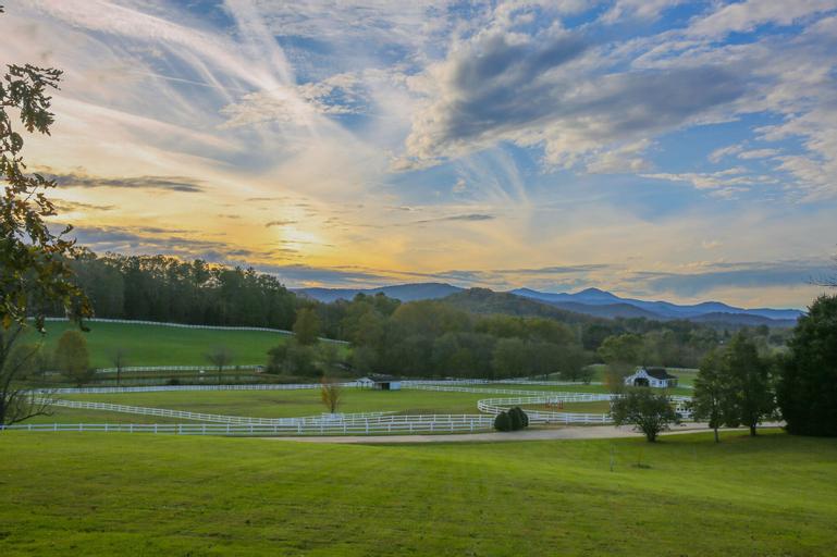 The Horse Shoe Farm, Henderson