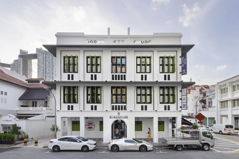 ST Signature Lite Tanjong Pagar- Dusk, Singapore