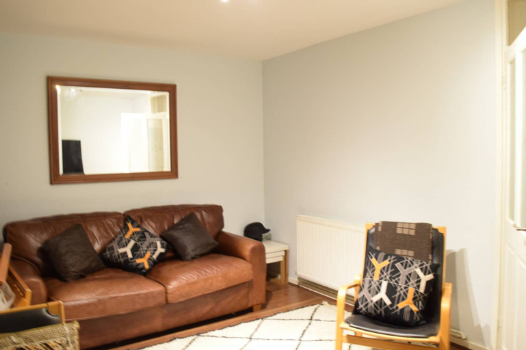 Homely 2 Bedroom House in Greenwich, London