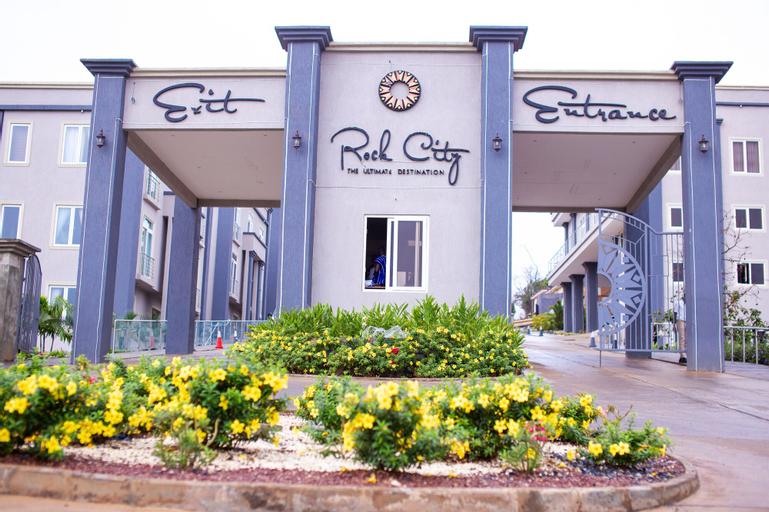 Rock City Hotel, Kwahu South