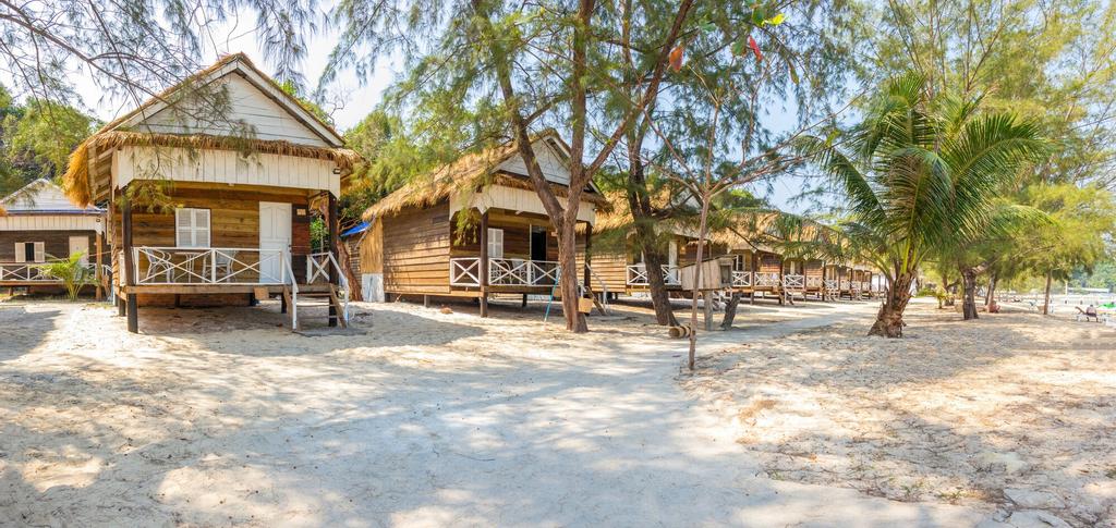 Sandy Beach Bungalows, Botum Sakor