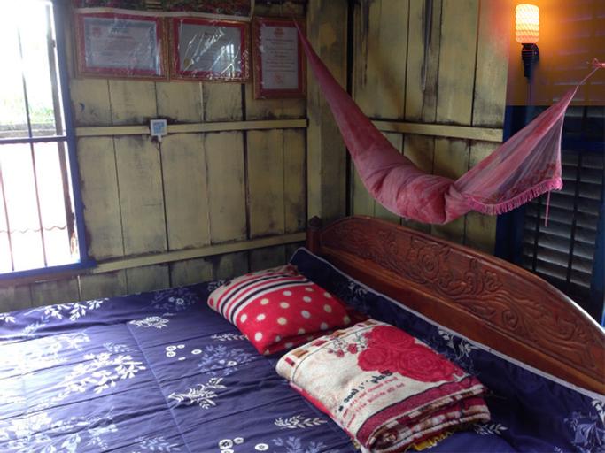 The Happy Family House, Angkor Borei