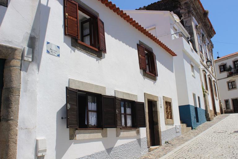 Casa Típica do Douro Vinhateiro, by Izibookings, Sabrosa