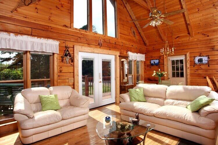 Dream Catcher, 2 Bedrooms, Hot Tub, Near Golf Course, Views, Sleeps 6, Cocke