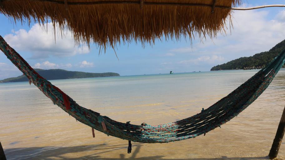 Dolphin Bay resort, Botum Sakor