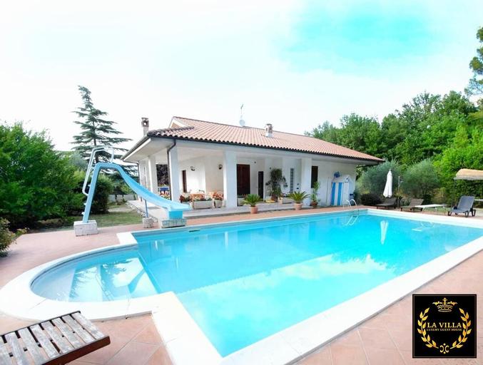 La Villa - Luxury Guest House, Rieti