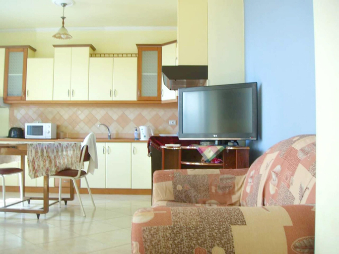 Apartment With 3 Bedrooms in Elbasan, With Wonderful Mountain View, Furnished Balcony and Wifi, Elbasanit