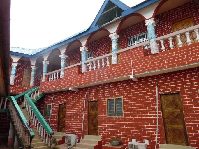 Hôtel Sacha, Kloto